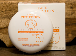 Avene Tinted Mineral High Protection Compact